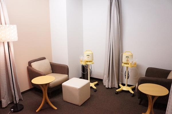 メデラ社 授乳中の社員向けのさく乳室「Mothers' Room」